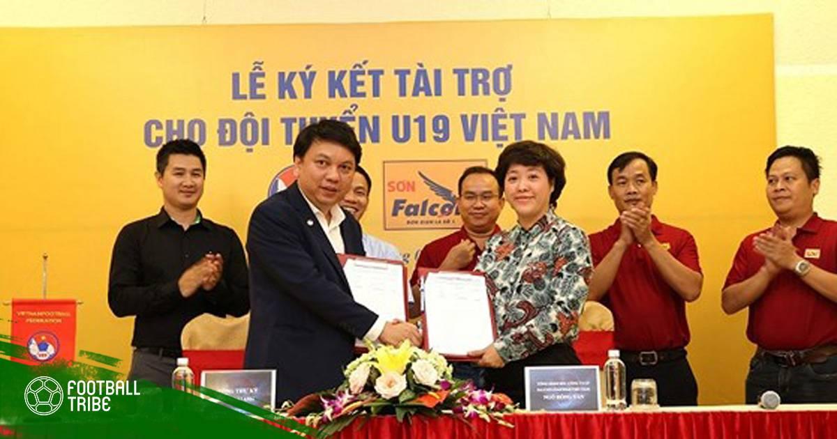 Chuyển động bóng đá Việt 30/6: U19 Việt Nam có nhà tài trợ mới