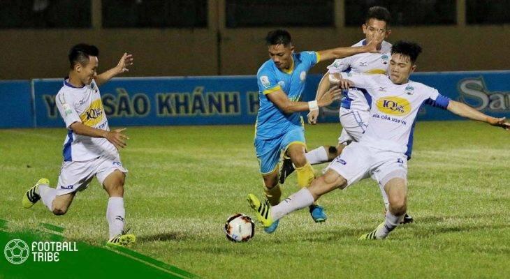 """Dư âm trận HAGL 2-4 S.Khánh Hòa: """"Thêm một lần đau"""" vì hàng thủ"""