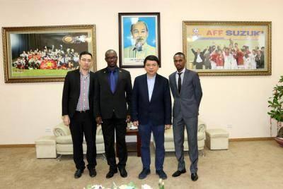 Lãnh đạo LĐBĐ Burundi sang thăm và làm việc với lãnh đạo VFF