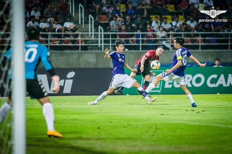 Hạ á quân Thai League, Hà Nội đá play-off với CLB của Fellaini