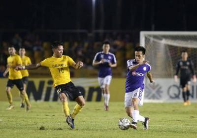 Thủ môn toả sáng, Hà Nội FC hoà kịch tính ở bán kết lượt đi AFC Cup