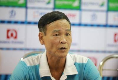 HLV Nguyễn Văn Dũng: 'Mất điện gần 10 phút ảnh hưởng đến thể trạng, tâm lý các cầu thủ'